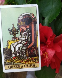 queen of cups meaning tarot